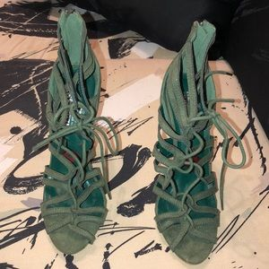 Shoes - Olive green lace up heels